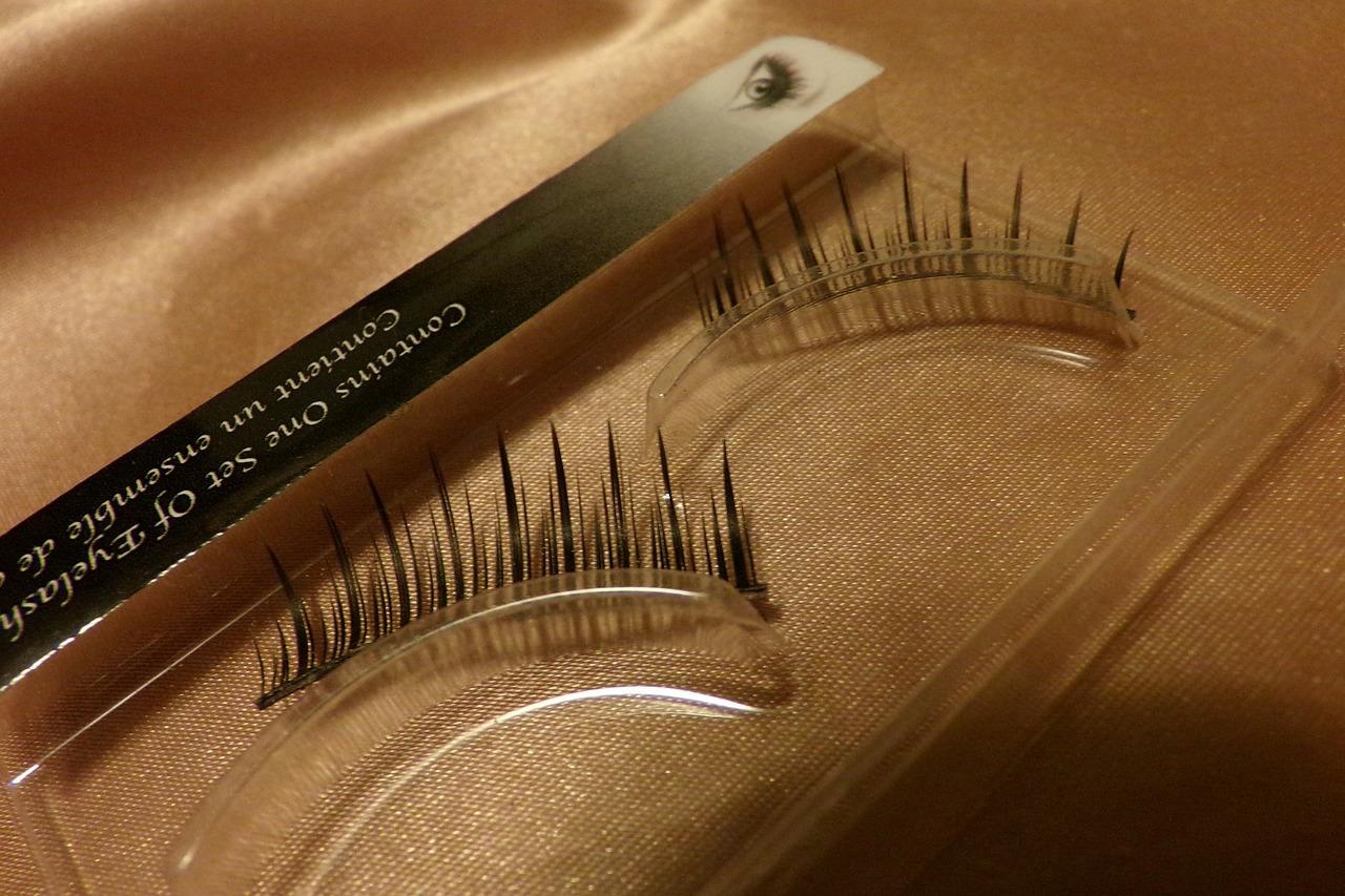 eyelashes 315626 12801